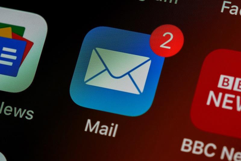 Sprzedawaj więcej w sklepie internetowym używając maili transakcyjnych